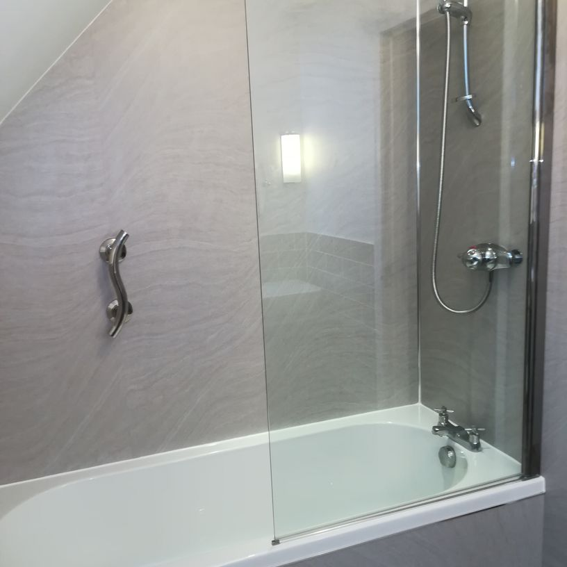 bath and shower screen